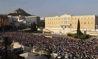 aganaktismenoi-vouli-syntagma