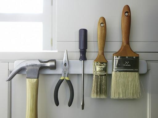 magnet bar for brushes