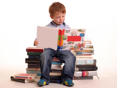 kid-reading-book