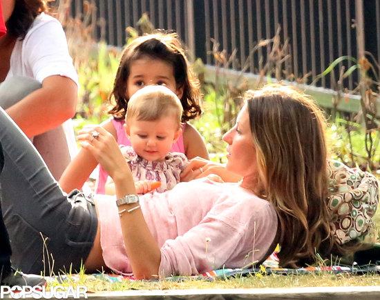 Gisele-Bündchen-enjoyed-some-sweet-time-daughter-Vivian-Boston-Sunday