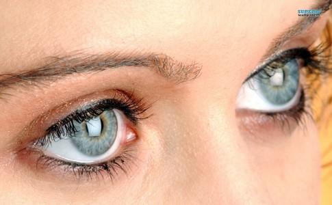 eyes-2979-1280x800