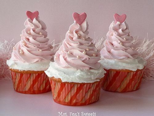 Pink-Christmas-Tree-Cupcakes