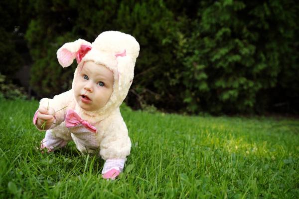 homemade-lamb-costume-baby