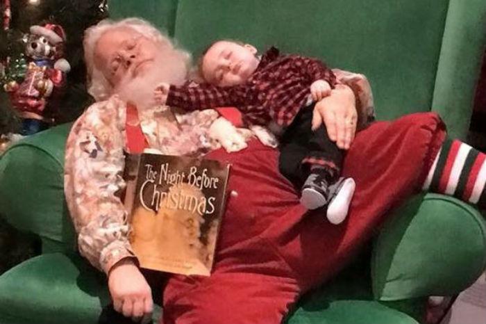 Ho-Ho-How-Cute-Santa-and-baby-boy-share-nap