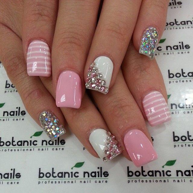 77c22585358676371bc139bb81c72c29--botanic-nails-glitter-nail-designs
