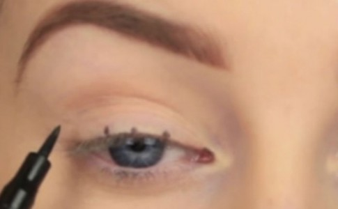eyeliner-696x580