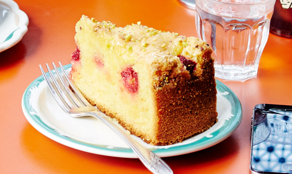 lemon-cake-with-raspberries-and-pistachios-940x560