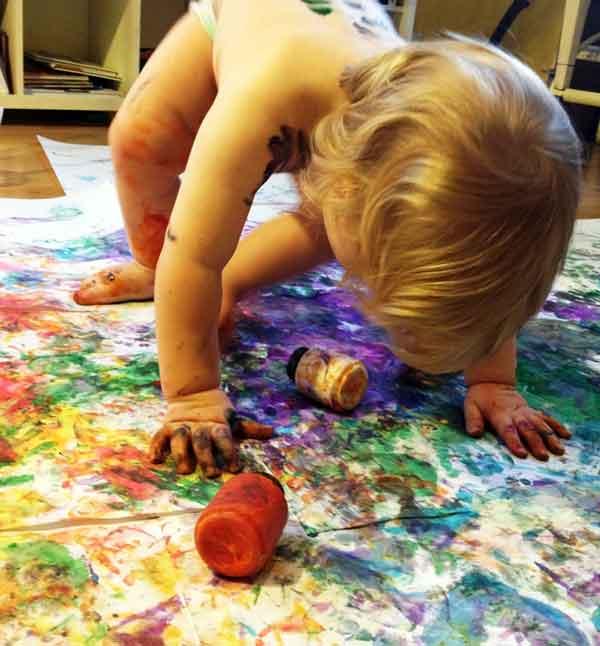 baby-hands-in-paint