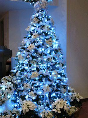 Arboles de Navidad Decorados de Azul 2
