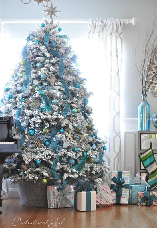 blue-and-white-christmas-tree-centsational-girl