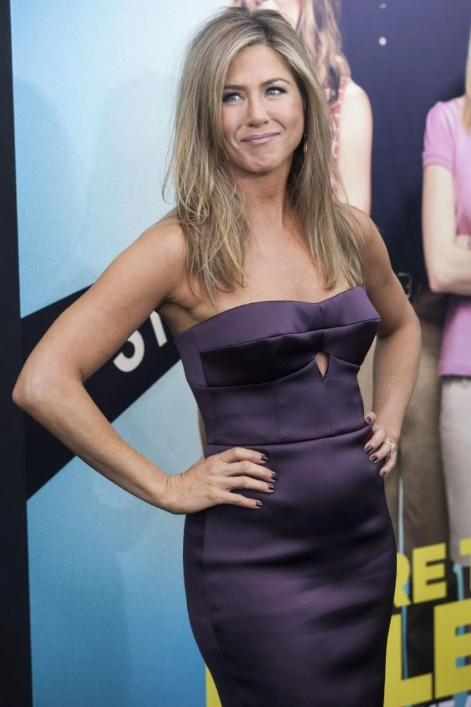 jennifer-aniston-pregnant_0-682x1024