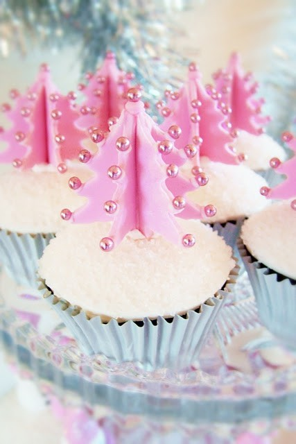 Pink-Christmas-Tree-Cupcakes-Kawaii-Food-Blog