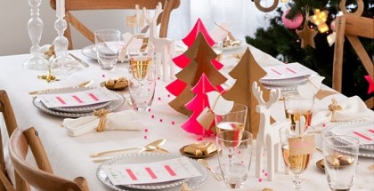 christmas-table-setting-ideas-gold-pink-420x215