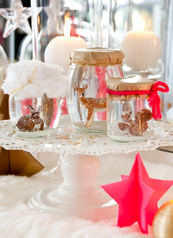 christmas-table-setting-ideas-modern-style-grain-cans-with-various-small-animals-figures-pink-ornaments