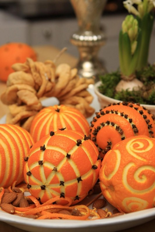 furniture-and-accessories-simple-diy-crafting-using-oranges-and-cloves-cool-for-homemade-christmas-party-centerpiece-ideas-nice-simple-and-affordable-interior-decoration-ideas-for-christmas-centerpie-532x797