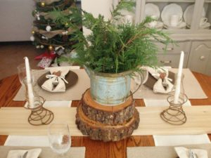 inspired-rustic-christmas-table-decorations-940x705