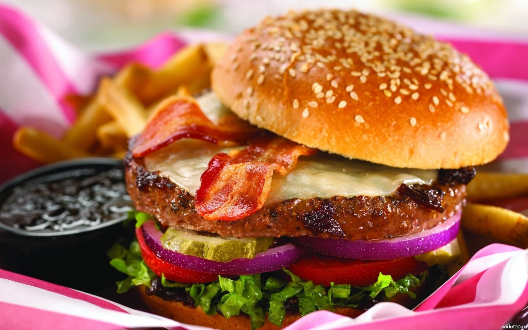 yummy-fast-food-fast-food-33414472-1680-1050 (1)