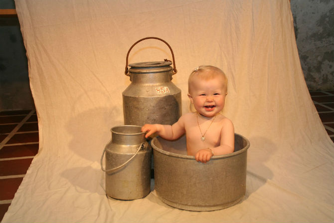 Baby_and_pails1
