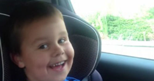 Boys-spellbinding-reaction-after-finding-out-hes-going-to-be-a-big-brother
