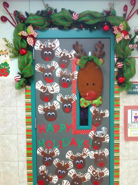 Happy-Holidays-Reindeer-Classroom-Door-Decoration