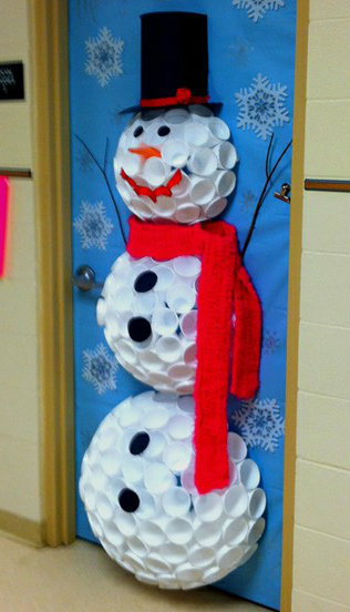 christmas-classroom-door-decorations-q5fbyvsp