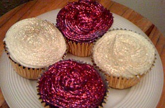 sara-chadwicks-glitter-amaretto-cupcakes