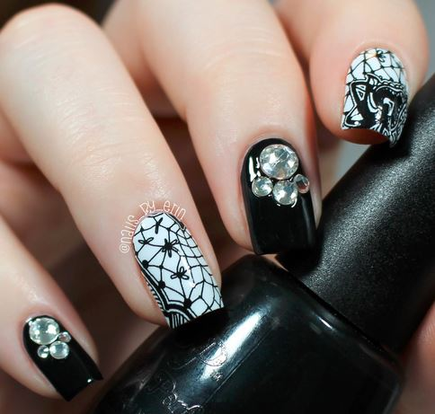 nails-2016-nail-art-trends-fall-2015-winter-black-lace-rhinestone-design-pattern-white-ideas
