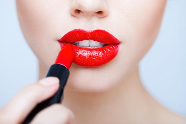 bright-red-lipstick