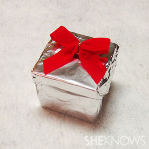 gift-wrap-foil