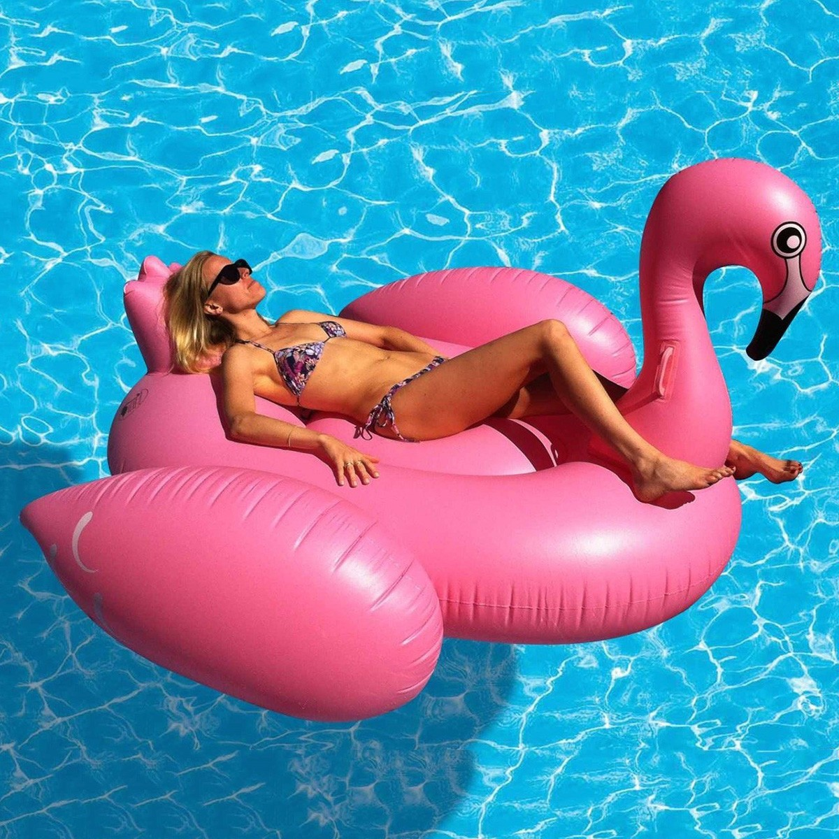 tysinft1000037263_-00_flamingo-float